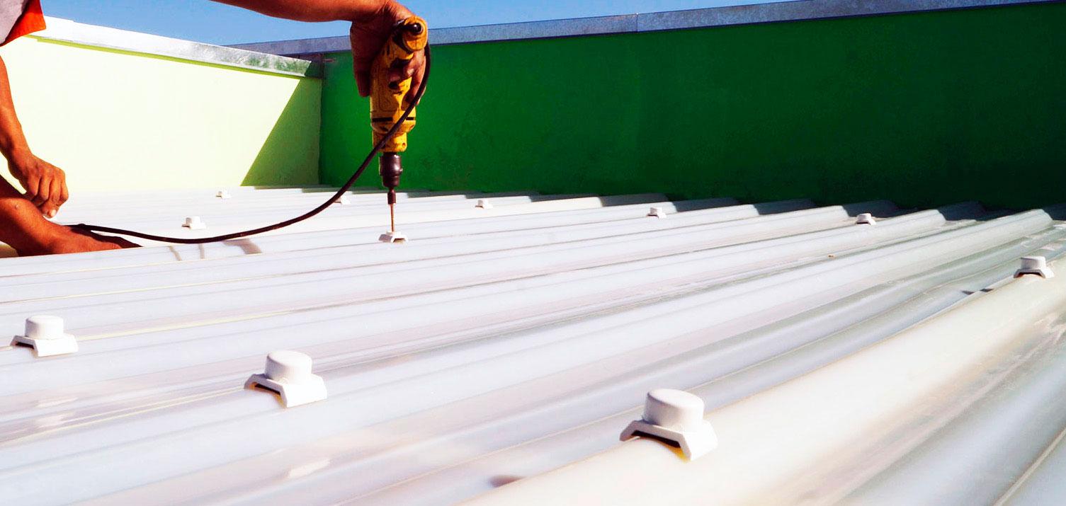 Instalación de una lámina de PVC