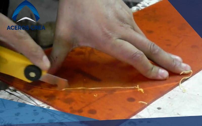 laminatraslucida.com-como-cortar-acrílico-1-blog
