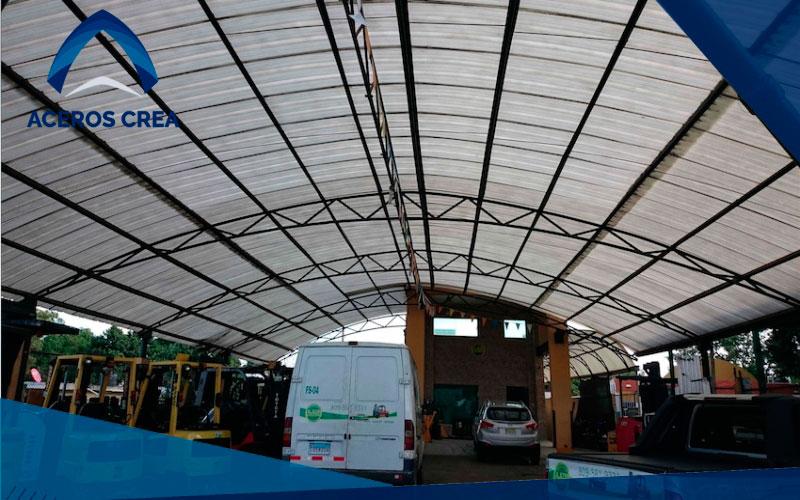 La iluminación natural con láminas para techo es una de las mejores alternativas para ahorrar energía eléctrica. Enviamos a todo el país.